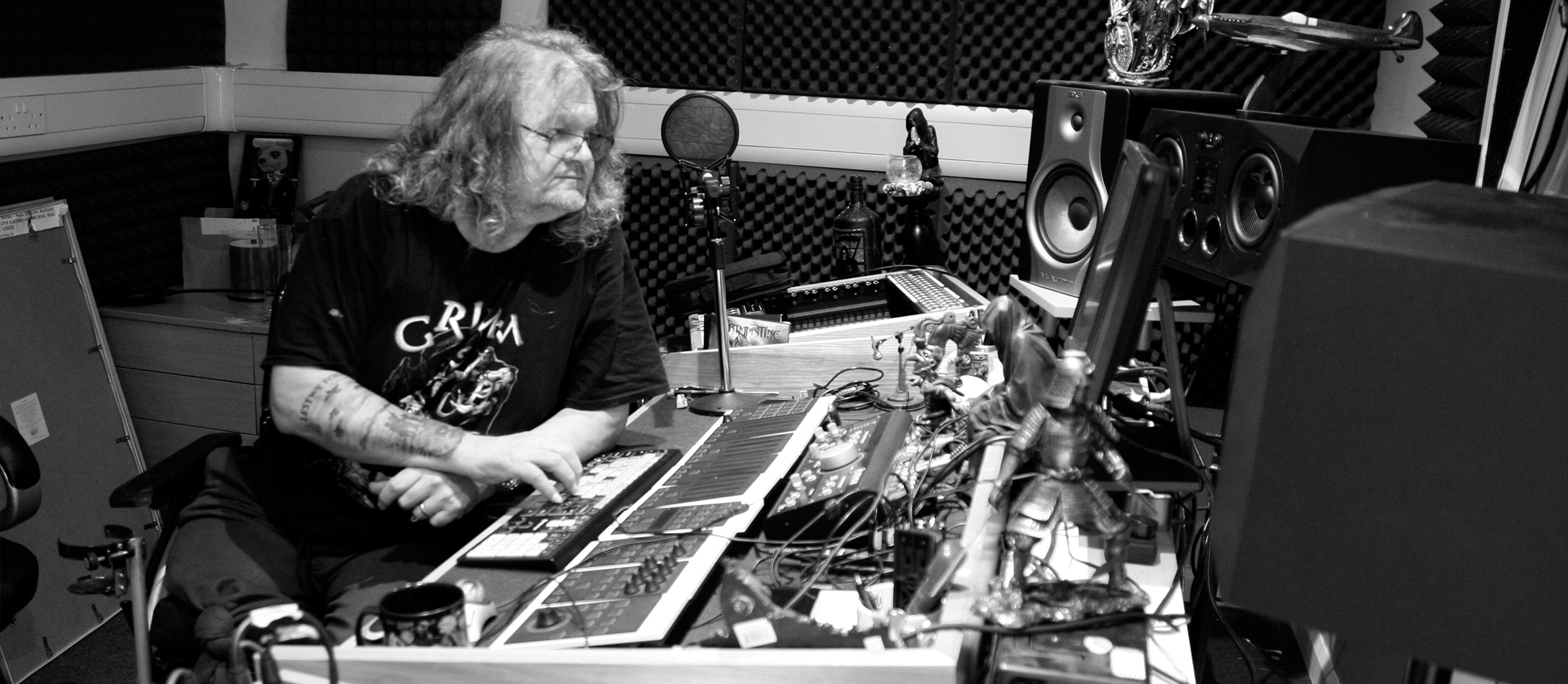 SAMURAI RECORDING STUDIOS – In-house producer Steve Grimmett talks about Dissonance's recording studios.